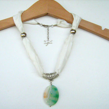 White Green  Agate  Pendant Necklace - Pure Silk cord. Gemstone necklace. Oval Agate.