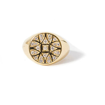 Round Seal Engraved Ring With Diamond Inlay