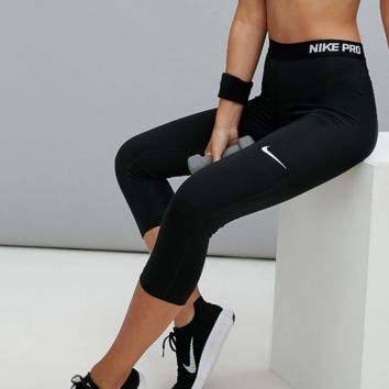 Nike PRO Training Capri Leggings In Black