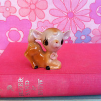 Vintage deer figurine! Cute, kitsch, china fawn bambi figurine with pink flower!!