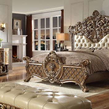 4 Piece Traditional HD-8018 Bedroom Set (King Size Only)