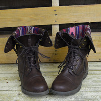 SZ 9 Arrow Lake Brown Tribal Fold Over Combat Boots