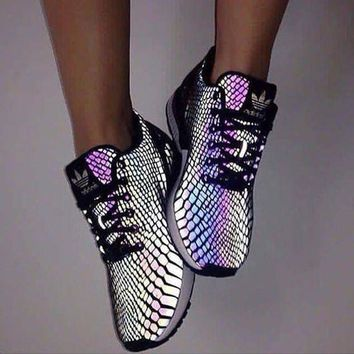 DCCKIJG Fashion 'Adidas' Chameleon Reflective Sneakers Sport Shoes
