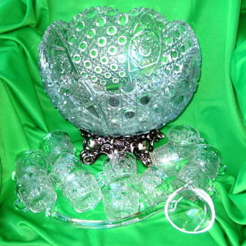 Daisy Button Pressed GlassPunchbowl, Formal Wedding Glass Serving Bowl, MINT