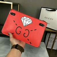 GUCCI Fashion Woman Men Diamond Letter Pattern Leather Envelope Clutch Bag File Bag Tote Handbag Red I-WXZ2H