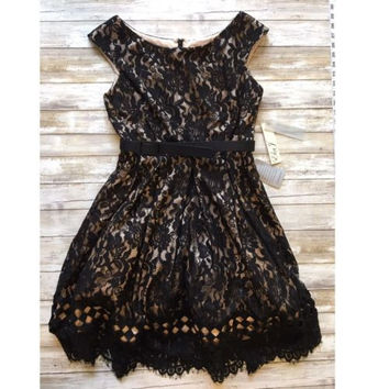 Gorgeous! New ELIZA J Sleeveless Embroidered Dress Size 8P ✨RT $178 ✨ DRA15