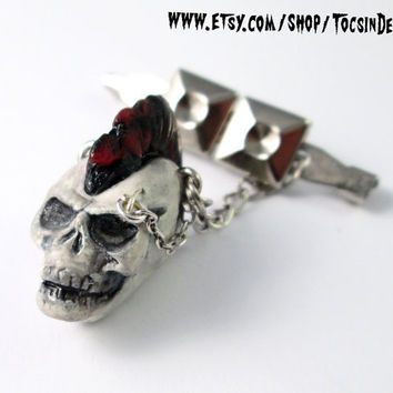 PUNK SKULL  BROOCH badge  button Anarchy  Mohawk skull  punk 77