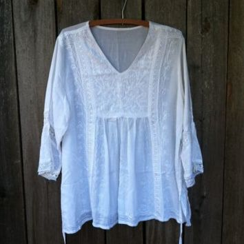 "White Flowy Embroidered Peasant Boho Tunic Top Blouse L XL 44"" bust"