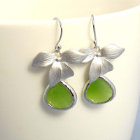 Wedding Earrings -Flower with apple green Drop Earrings, Gemstone,, cocktail jewelry- gift