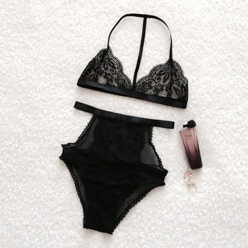 25007f369 Airy black lingerie set - soft bra and high-waisted panties