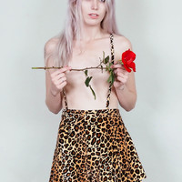 Anne - Velvet leopard print suspender short with flared cut