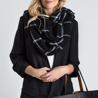 Hailey Black & White Knitted Plaid Scarf