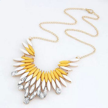 Fashion metal showy feather gem personalized necklace Choker Collar necklaces women jewelry hot  Statement Necklaces For Woman