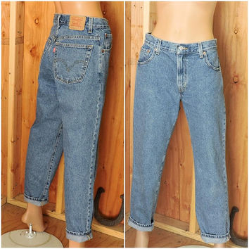 Vintage Levis mom jeans size 9 / 10 / Levis 550 classic relaxed fit  jeans 30 X 29 / high waisted tapered leg / high waist  peg leg Levis