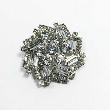 Vintage Weiss Brooch, Pin Wheel Style Silver Tone Clear Rhinestone Pin, Vintage 1950's Brooch, Bridal Jewelry, Christmas Brooch