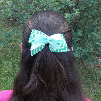 Girls Chevron Hair Bow, Green and White, double bow, knot center
