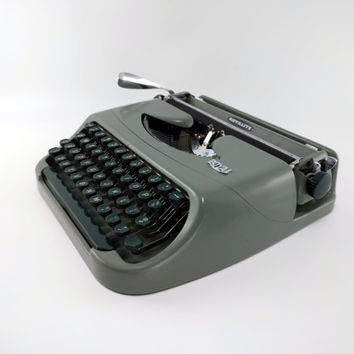 Royal Royalite 64 Vintage Typewriter - Olive Green Typewriter - Working Vintage Typewriter - Very Good Condition