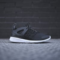 Nike WMNS Free Virtuous - Black / Cool Grey