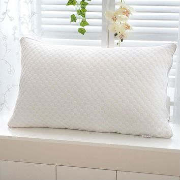 BEYOND CLOUD New Fashion Design Water Cube Style Pillow 100% Microfiber Velvet Feather High Filling Power Home/Hotel Pillows 049
