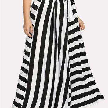 Curvy Gal Contrast Striped Belted Skirt