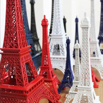 Retro Metal Eiffel Tower Model In France Flag Color, Vintage Oranments, Figures, Window Decoration Props, Birthday Gift, Home Decor