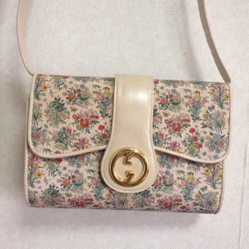 Vintage Gucci ivory leather handbag purse with silk satin multicolor flower fabric, floral bag. Great masterpiece from Accornero collection.