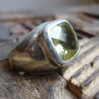 sterling silver chunky ring with a lemon lime quartz by Ellishshop
