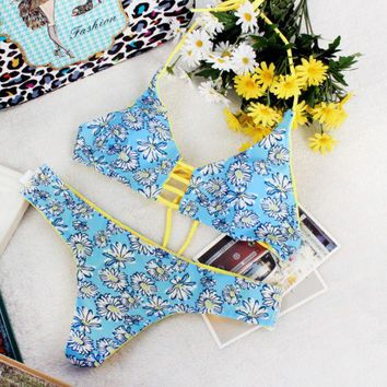 DCCKUNT Sweet Daisy Print Two Piece Triangle Women's Bikini Swimwear BK044