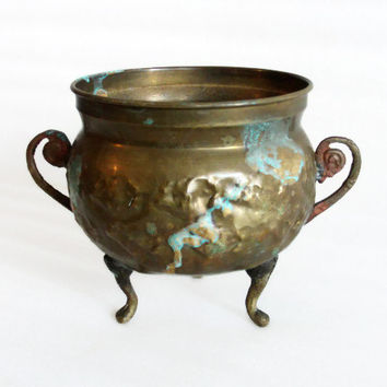 Rustic footed bowl, antique brass, patina verdigris. HAMMERED, metal, handles, olive green, pot holder. Crafts, home decor, centerpiece
