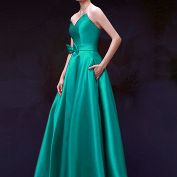 Green Sweetheart Bowknot Waist Lacing Back Strapless Maxi Prom Dress