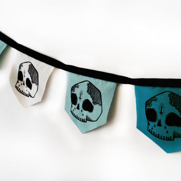 Medieval Style Skull Bunting