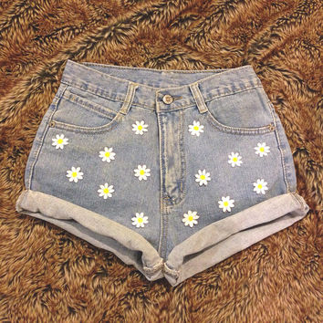 Highwaisted Daisy Shorts