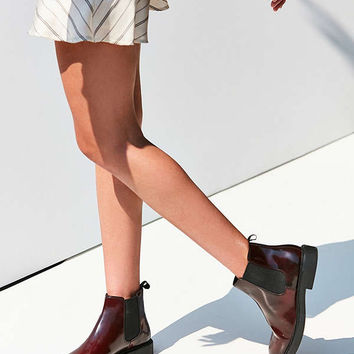 Vagabond Alex Chelsea Boot | Urban Outfitters