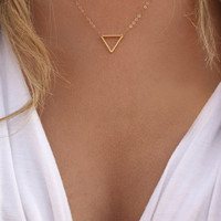 Cupshe Fashion Triangle Pendant Necklace