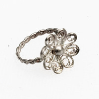 Silver Flower/Daisy Ring - Vintage, Filigree, Petite