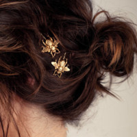 Lovely fashion matte gold bee hair clips ,  a perfect gift !