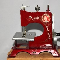 1940s Little Mother Sewing Machine IOB, Artcraft