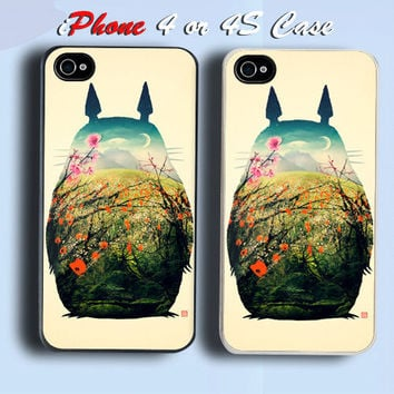 Beautyful Totoro Custom iPhone 4 or 4S Case Cover