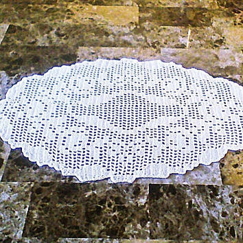 Crocheted placemat, table runner, Crochet flower doily, cream or white cotton, oval doily, floral doilies, lace tablecloth