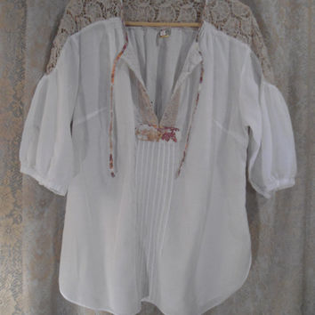 Size XL Womens Summer White Cotton Peasant Blouse with Crochet Around the Shoulders Boho Hippie Mexican Style Clothes