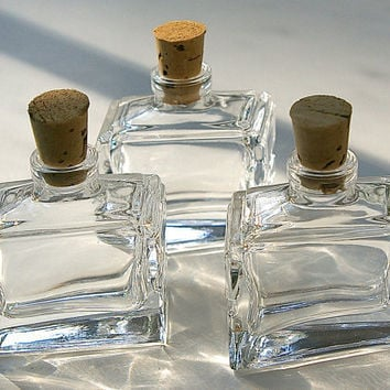 9 Mini Quadrilateral Bottles with Corks