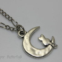 Sailor Moon - Luna - Luna Cat Inspired Necklace - Cresent Moon in Antique Silver with Figaro Chain - 6140167