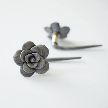 Unusual floral plug 6g (4 mm),for stretched ears,Real Custom Gauges,unique metallic silver,Steel flare piercing,Flesh Tunnel,girly expander