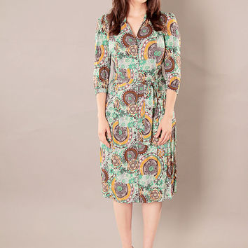 Green modest A - line buttoned dress with retro print and belt