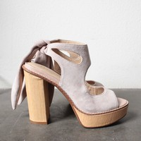 very volatile - rissa women's cutout ankle tie sandal - blush