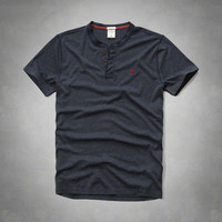Muscle Fit Henley