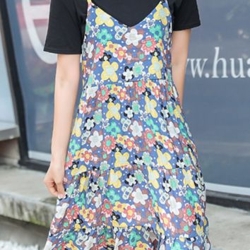 Women's dresses are hot sellers with short sleeves and suspenders