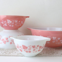 Pyrex Gooseberry Cinderella Mixing Bowls - Perfect and Complete Set
