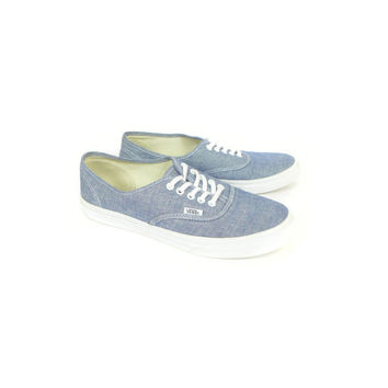 VANS shoes authentic / LIKE NEW / low top sneakers / blue chambray / classic / womens 9.5 / mens 8