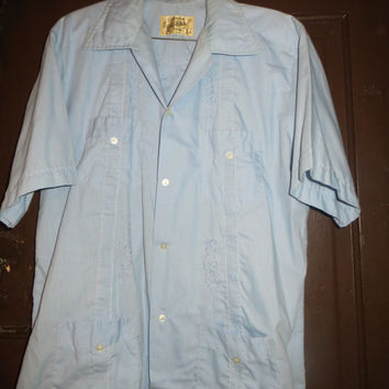 Vintage Men's  original Guayabera Shirt, Pintucked Mexican Wedding  EMBROIDERED  Shirt - cigar store   Blue Cotton - Loop Collar - Size 34